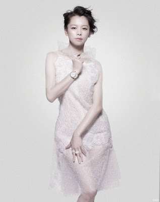 Vivian Hsu Black and White Edition for Vogue Taiwan May 2012