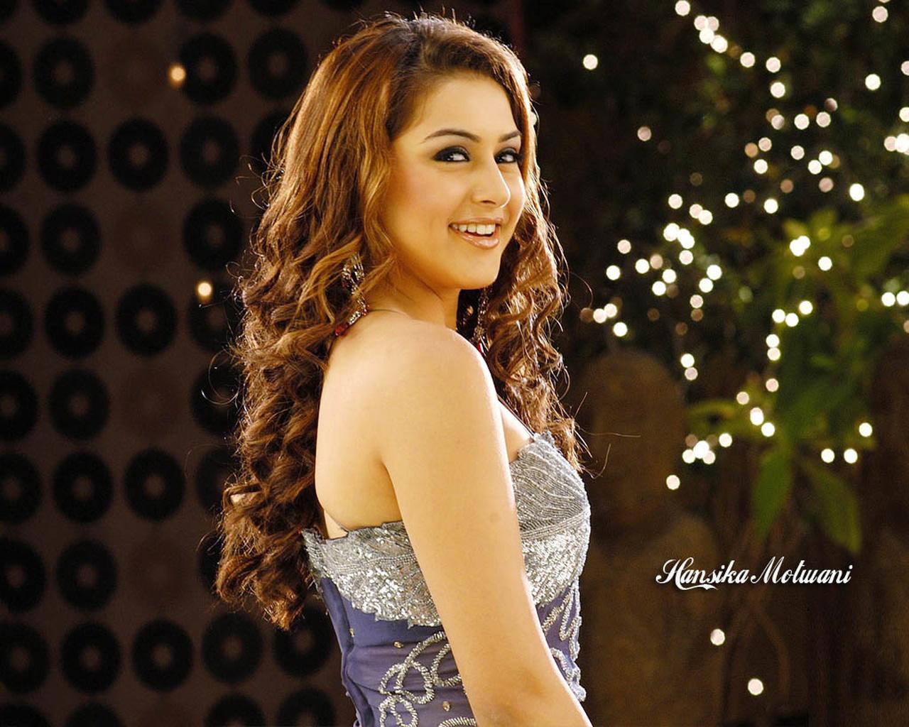 actresses hd wallpapers: hansika motwani hd wallpapers