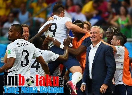 Deschamps Anggap Permainan Prancis Hampir Sempurna