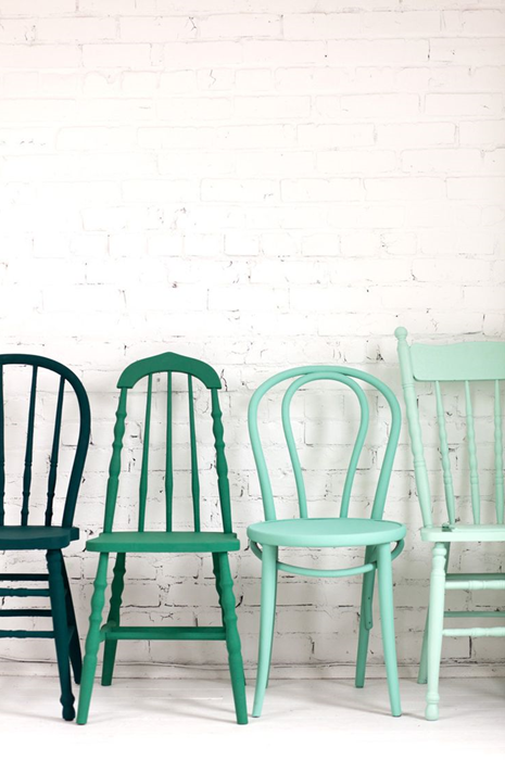 krzesła, krzesła do jadalnii, jakie krzesła wybrać, stare krzesła, nowoczesne krzesła, metalowe krzesła