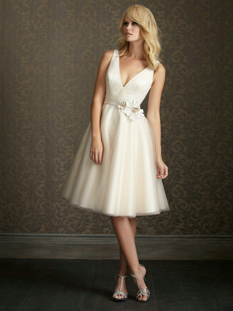 Wedding Blog: Beach Wedding Dresses Style Ideas