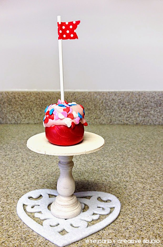 marshmallow pop on mini stand, mini cake stand, washi tape flag