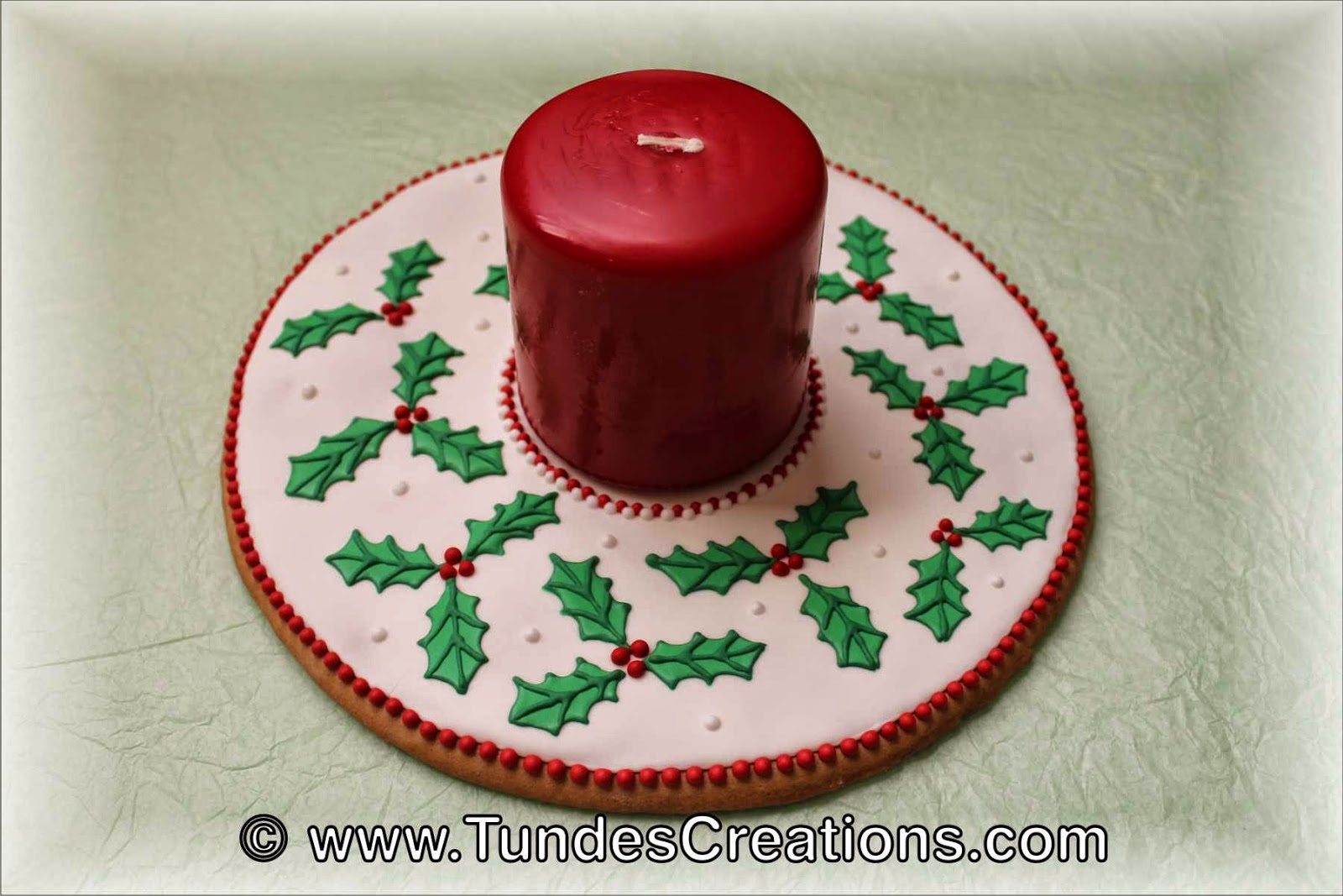 Gingerbread Christmas Centerpiece with Holy pattern