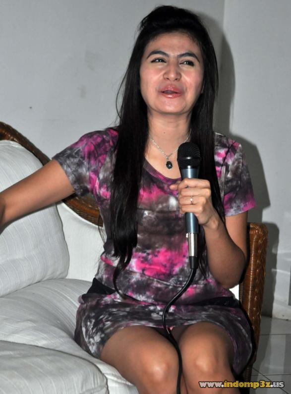 woro woro: Celana Dalam Asha Shara Nongol