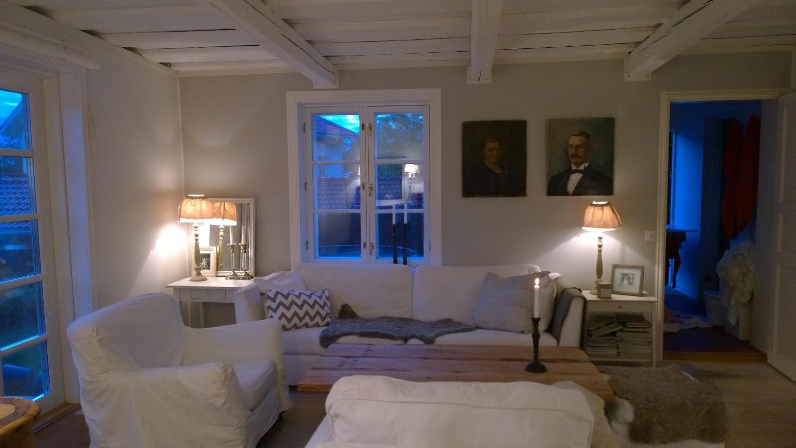Livet under eken i dalsvik  : målade vardagsrummet med kalkitir färg