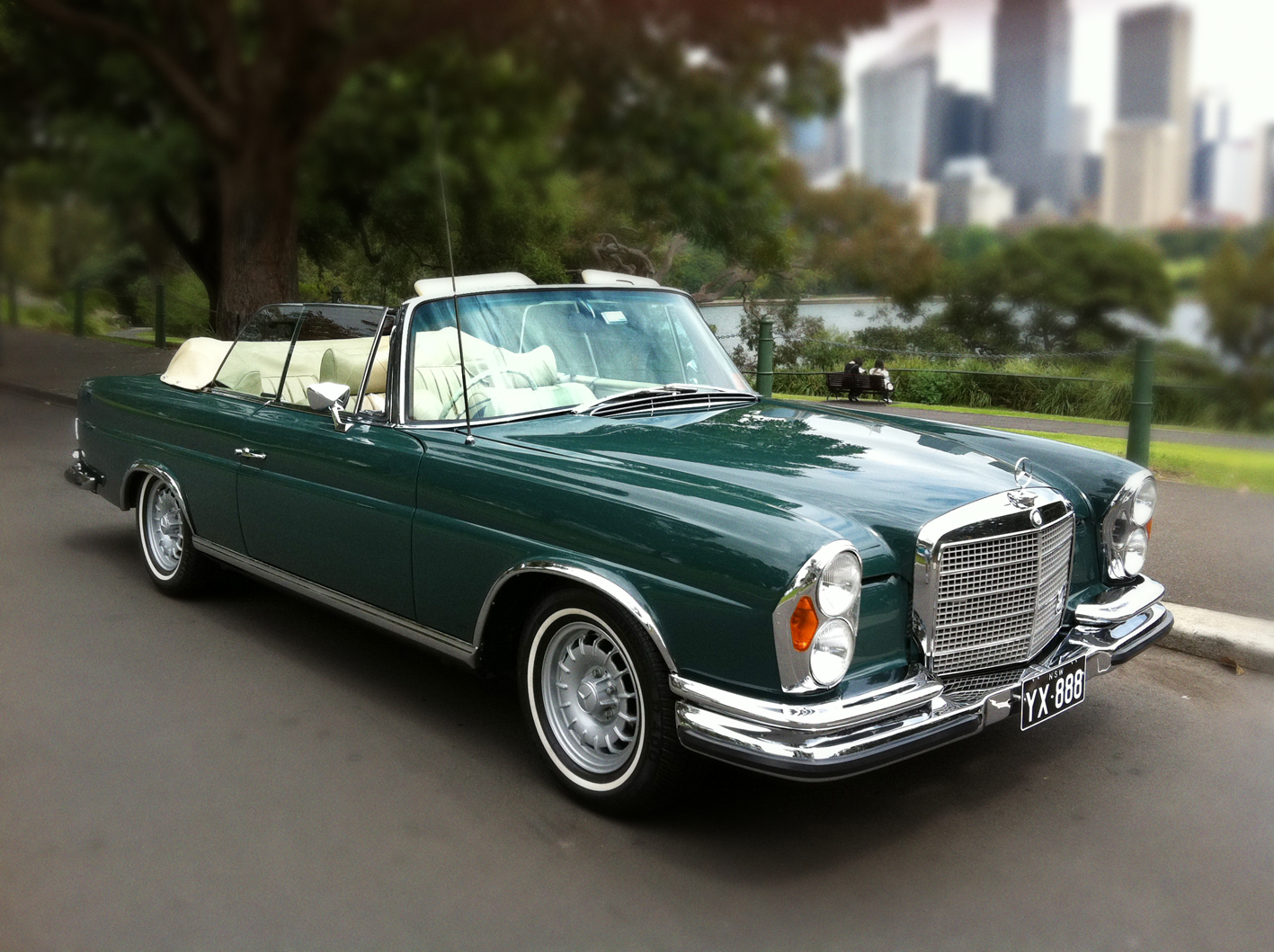 Mercedes benz 280se 3 5 cabriolet for sale for Mercedes benz cabriolet for sale