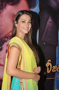Nazia hussain latest glam pics-thumbnail-13