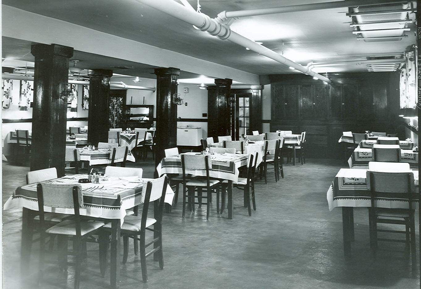 Calvert Hotel Dining Room 1950s Lewistown Mt Courtesy Montana Memory Project Library