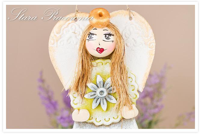 anioł z masy solnej, aniołek z doczepionymi włoskami