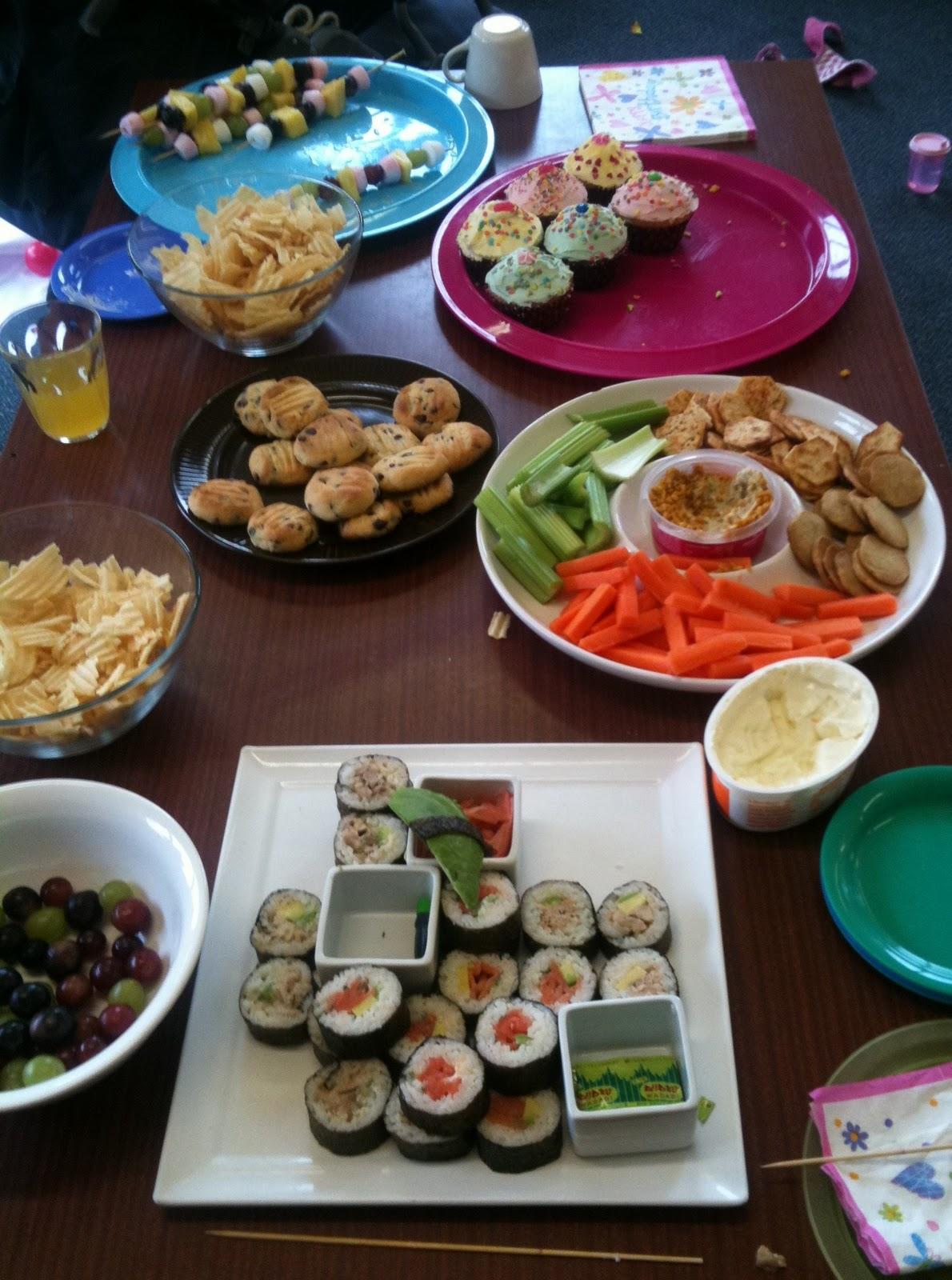 shrimp tempura, krab salad, masago, cream cheese, avocado, chili-lime mayo, eel sauce & crispy shallots.