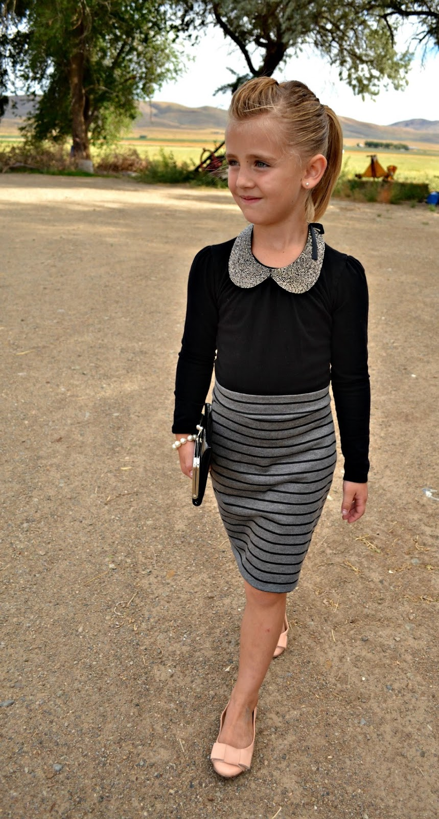 stella crew pencil skirts and simple accessories