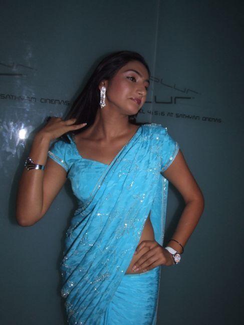 in saree blouse