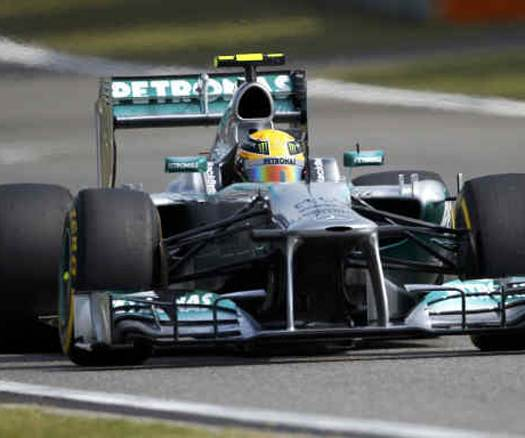 Hamilton logrò la pole en el GP de China