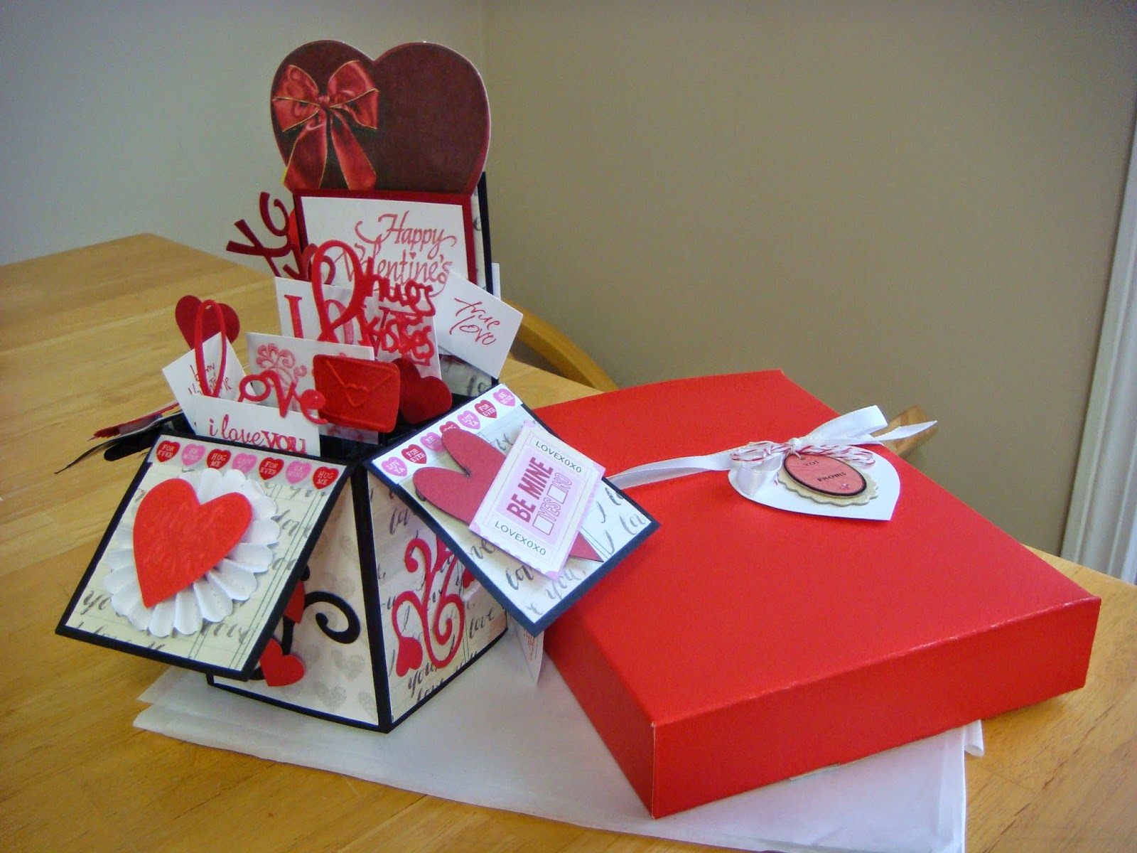 carolyn 39 s creative corner valentine pop up boxes love is in the air using my stash. Black Bedroom Furniture Sets. Home Design Ideas
