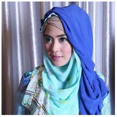 Trend Terbaru Model Hijab Modern ala April Jasmine
