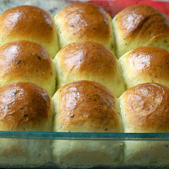 Parsley & Chive Pull-Apart Rolls (Bread Machine)