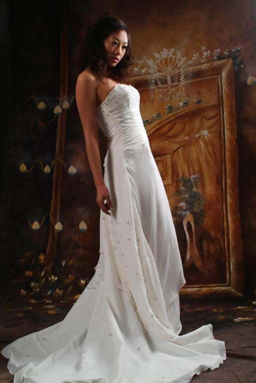 Wedding fashion romantic wedding gown design for Romantic wedding dress designers