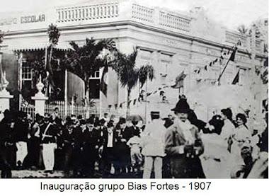 INAUGURAÇAO DO GRUPO ADELAIDE BIAS FORTES NA RUA JOSE BONIFACIO EM 1907