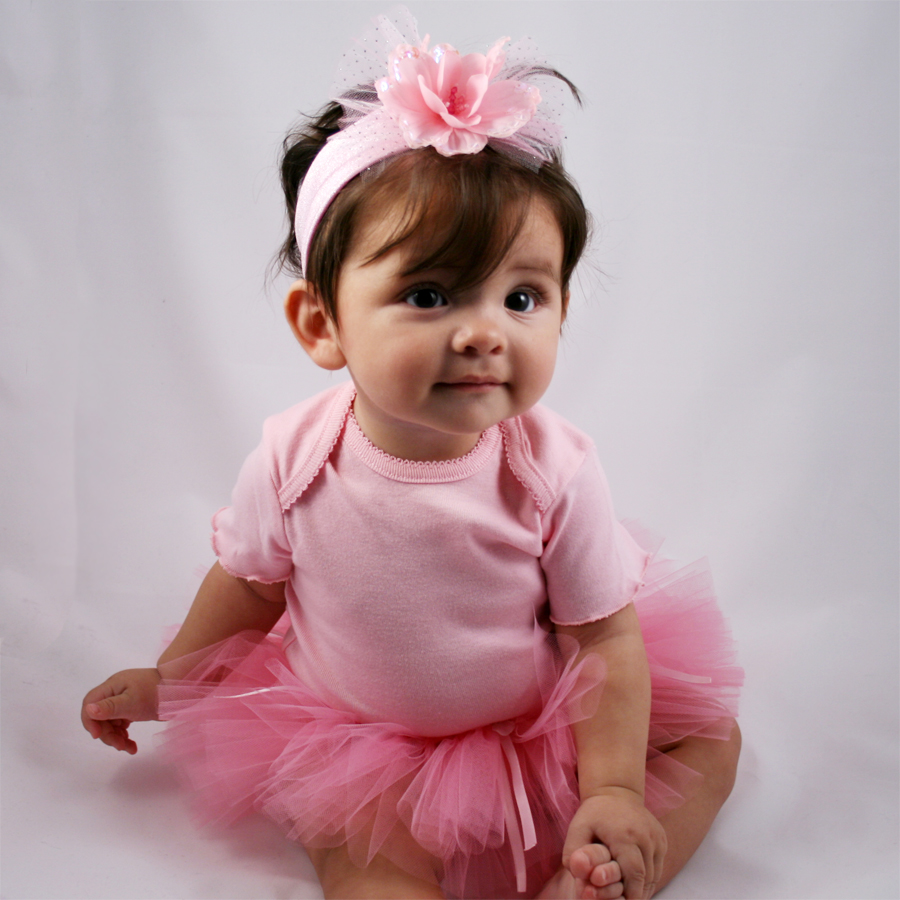 babies: very cute baby