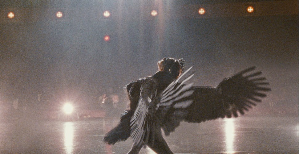 Nathalie Portman en cygne noir dans Black Swan