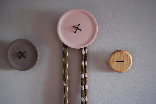 tutorial perchero botón madera gigante