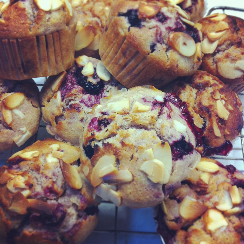Yummmmyy: Summer Berry & Almond Muffins