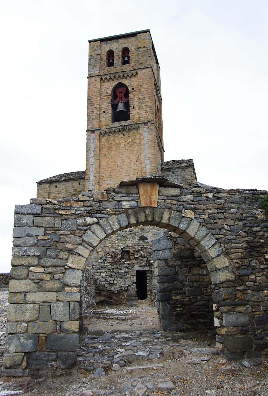 Entusiasco puertas r sticas y arcos de piedra en for Las puertas de piedra amazon