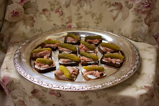 Roast Beef Appetizer: St. Germain Tartine: Simple Living and Eating
