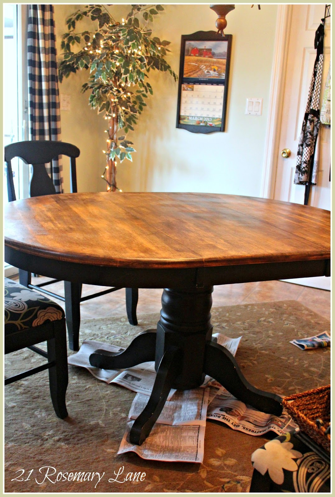 Chalk paint kitchen chairs - So With A Little Chalk Paint A Minwax Protective Coat And Some Remnent Fabric I Bought At A Local Fabric And Upholstery Store My Dinette Set Went From