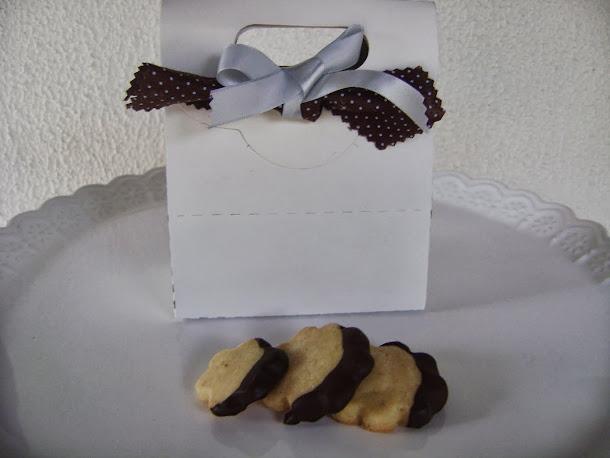 para levar os biscoitos com chocolate : saquinhos kraft com alça