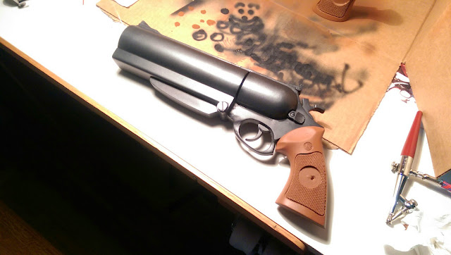 Blind Squirrel Props - Hellboy gun