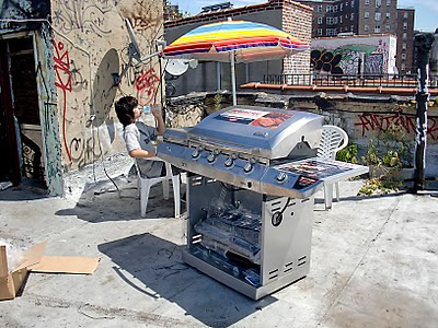 assembling-char-broil-infrared-grill-is-two-person-job