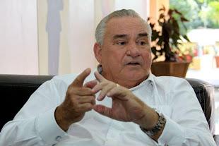 RAIMUNDO VARELA UMA DAS MAIORES AUDIÊNCIAS DO RÁDIO E TV NA BAHIA....