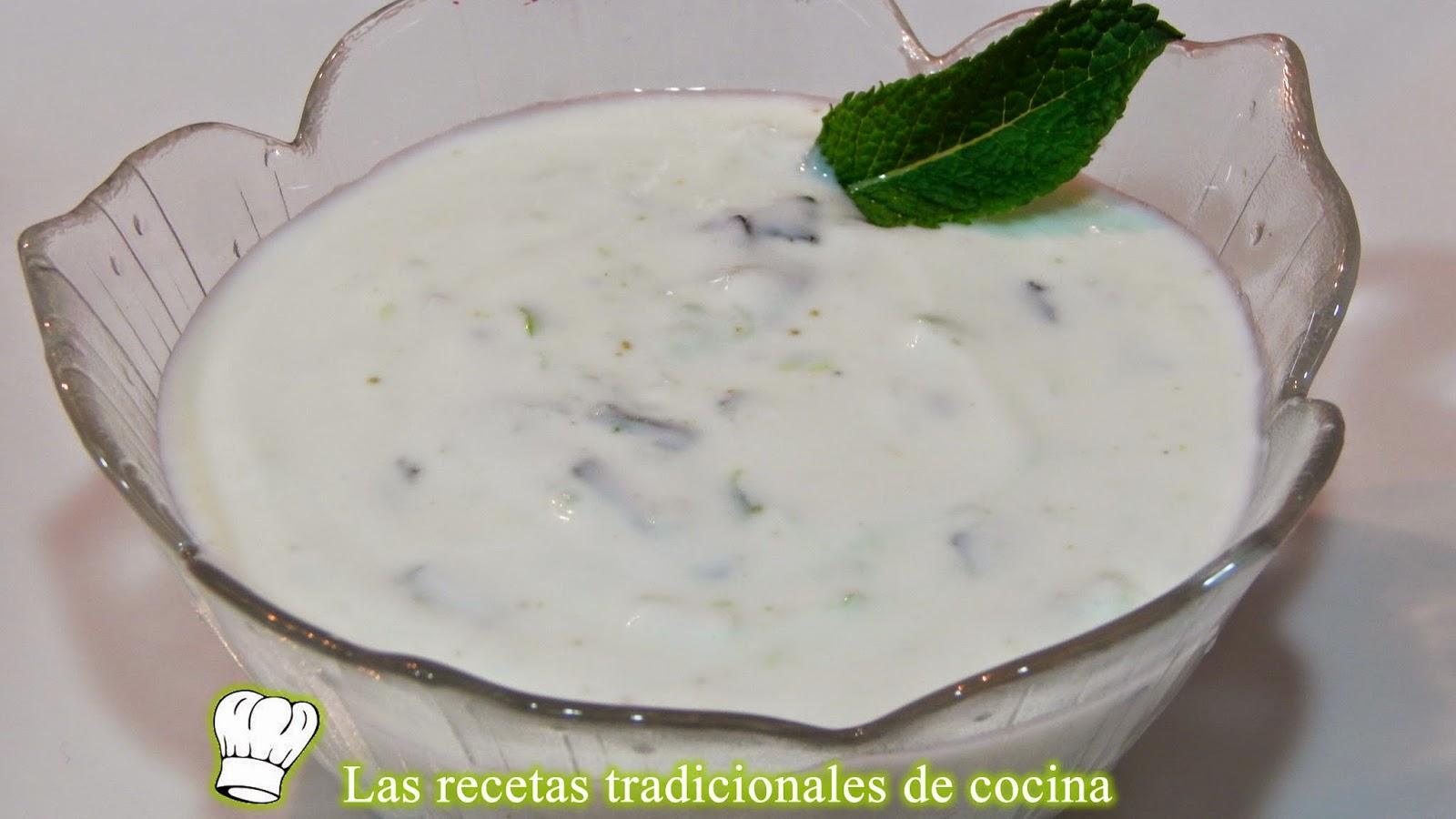 Salsa de yogur con menta