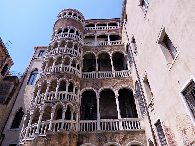 Venice leaning tower