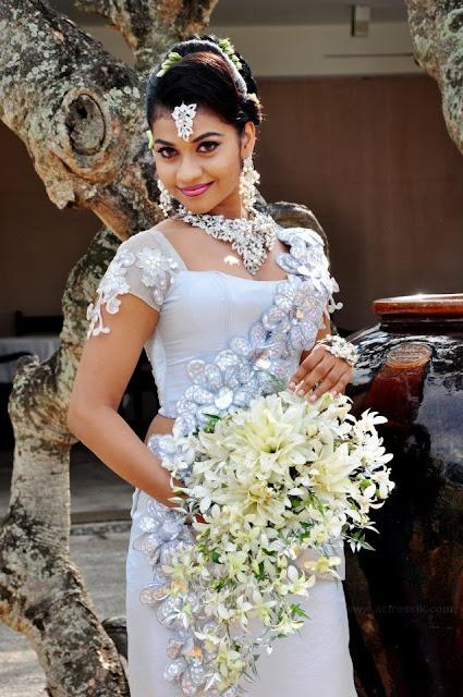 Sri lanka actress sheryl decker ama in wedding dresses for Sri lankan wedding dress