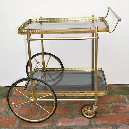 En mi espacio vital muebles recuperados y decoraci n vintage camareras vintage vintage - Carrito camarera vintage ...