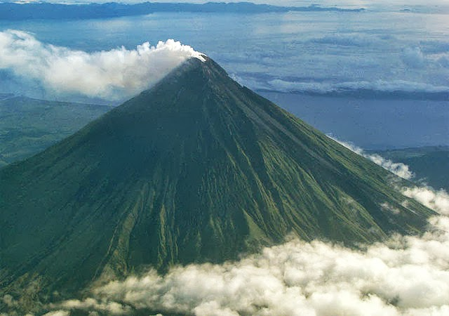 10 Most Famous Volcanoes in the - 52.2KB