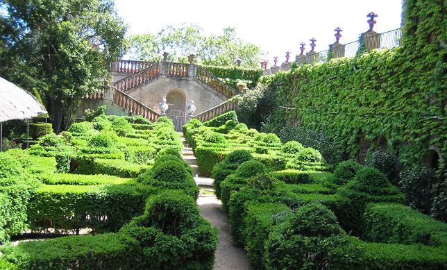 Laberinto de ideas web de noem risco traductora for Esculturas en jardines