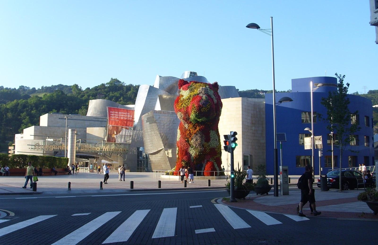 Guggenheim presentacion asociacion de decoradores de for Decoradores de interiores en bilbao