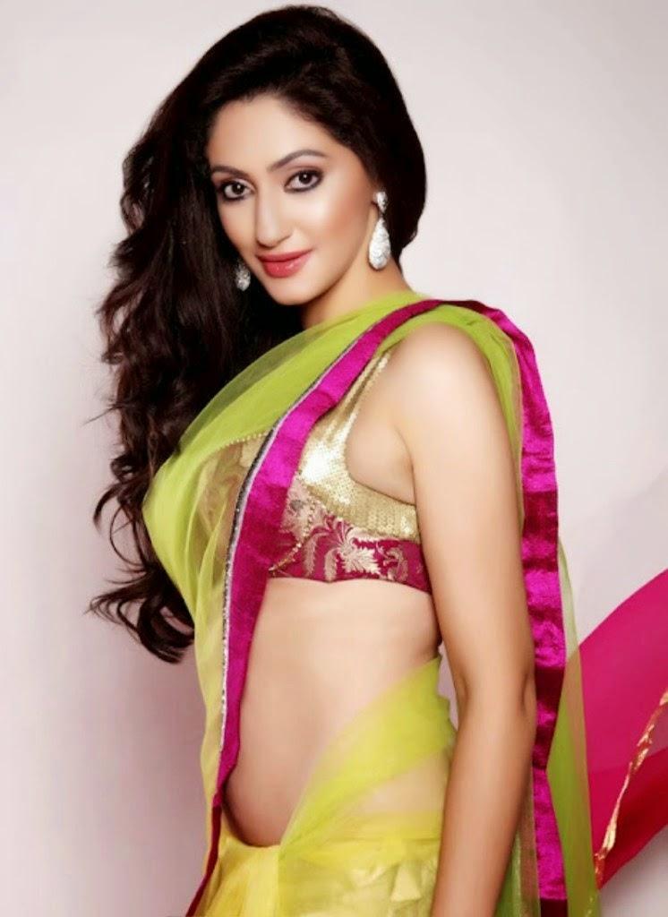 Bollywood Actress Reyhna Malhotra Spicy Stills