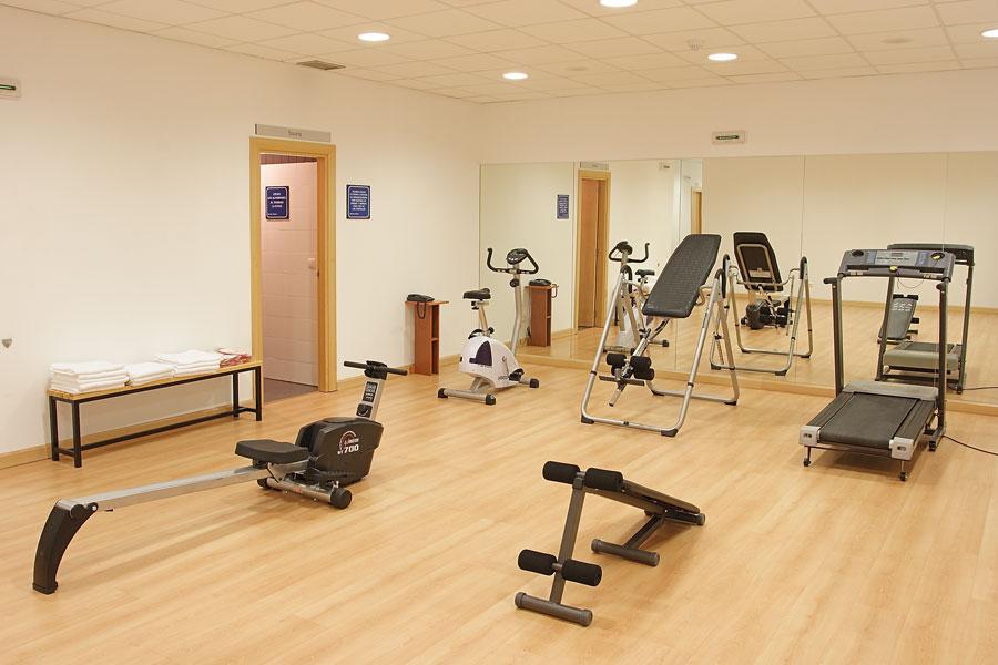 Rutinas de gimnasio y ejercicios para adelgazar for Gimnasio el gym