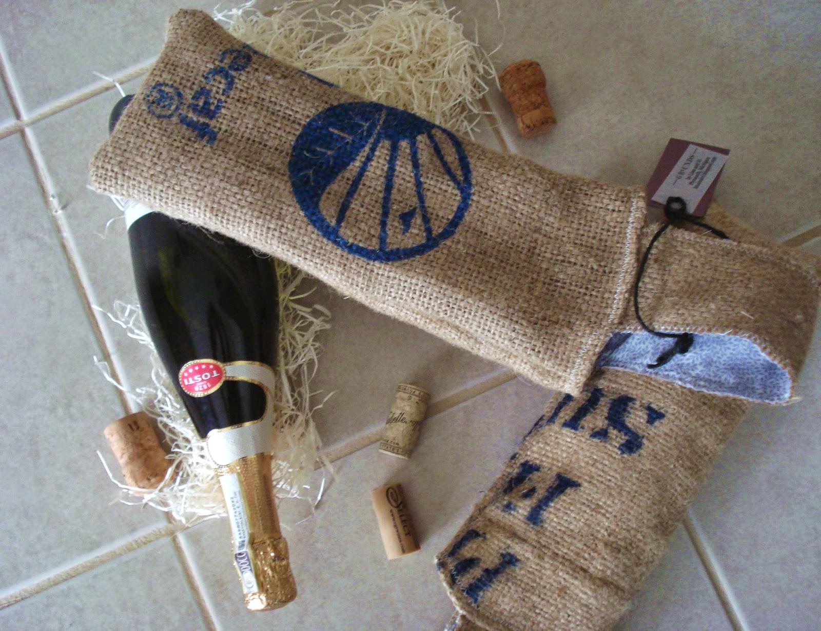 wine pouches - burlap - linaandvi.blogspot.com