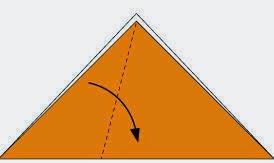 Bước 2: Gấp chéo tờ giấy vào trong.