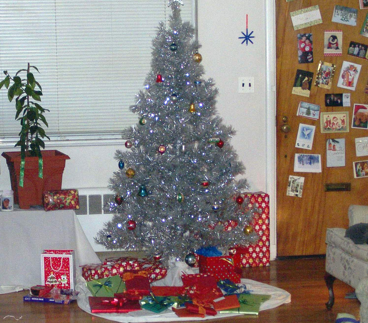 Silver tinsel christmas tree with color wheel - I Think My New Tree Is The Most Beautiful Christmas Tree Ever Your Mileage May Vary And That S Allowed I Won T Pop A Gasket If You Believe