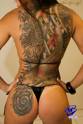 Tattoo oriental carpas na costa
