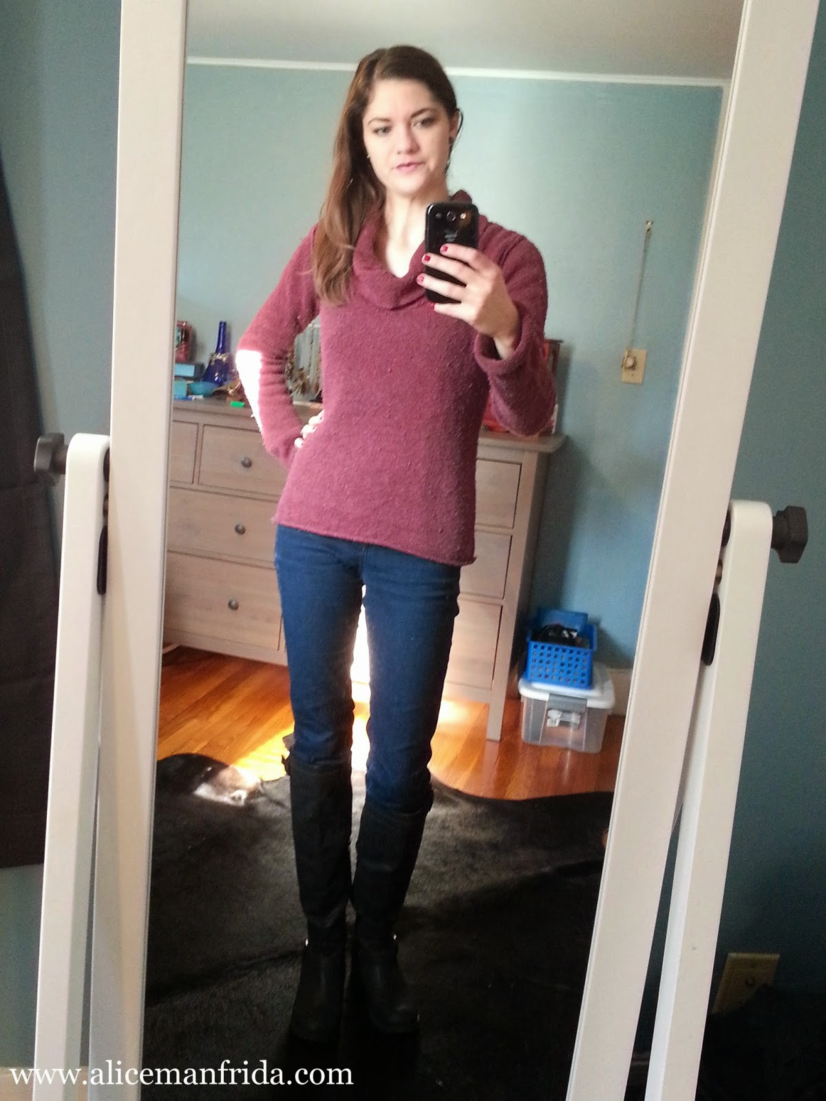 Autumn Style, Fashion, black knee high boots, burgundy sweater, skinny jeans, ootd, ootw, outfit of the day, Alice Manfrida