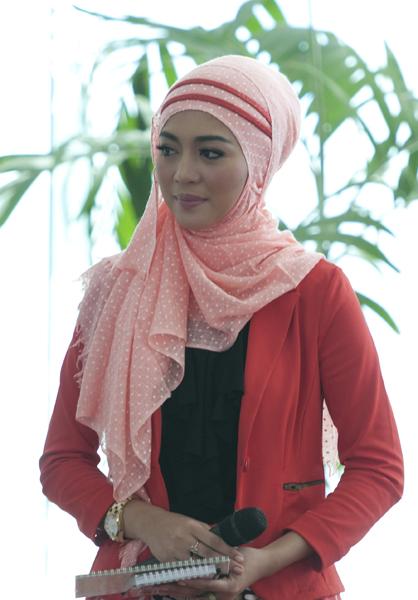 Style Hijab Nuri Maulida
