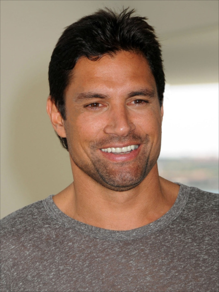 Below are the Manu Bennett HairStyle, hopefully its can become your ...