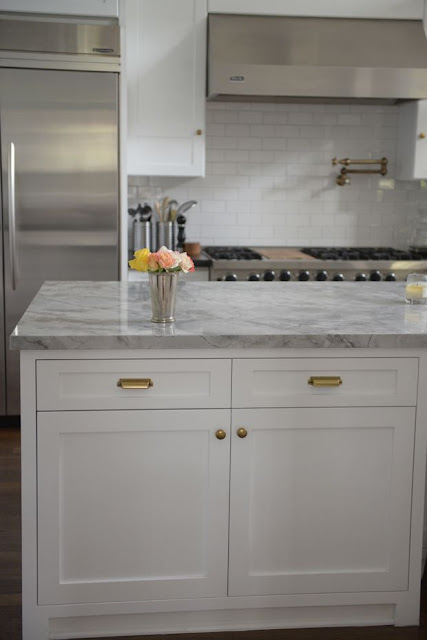 super white granite with grey shades domination